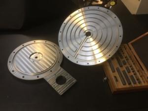 CNC berabejdet emner for vakuumplan kontrolleres