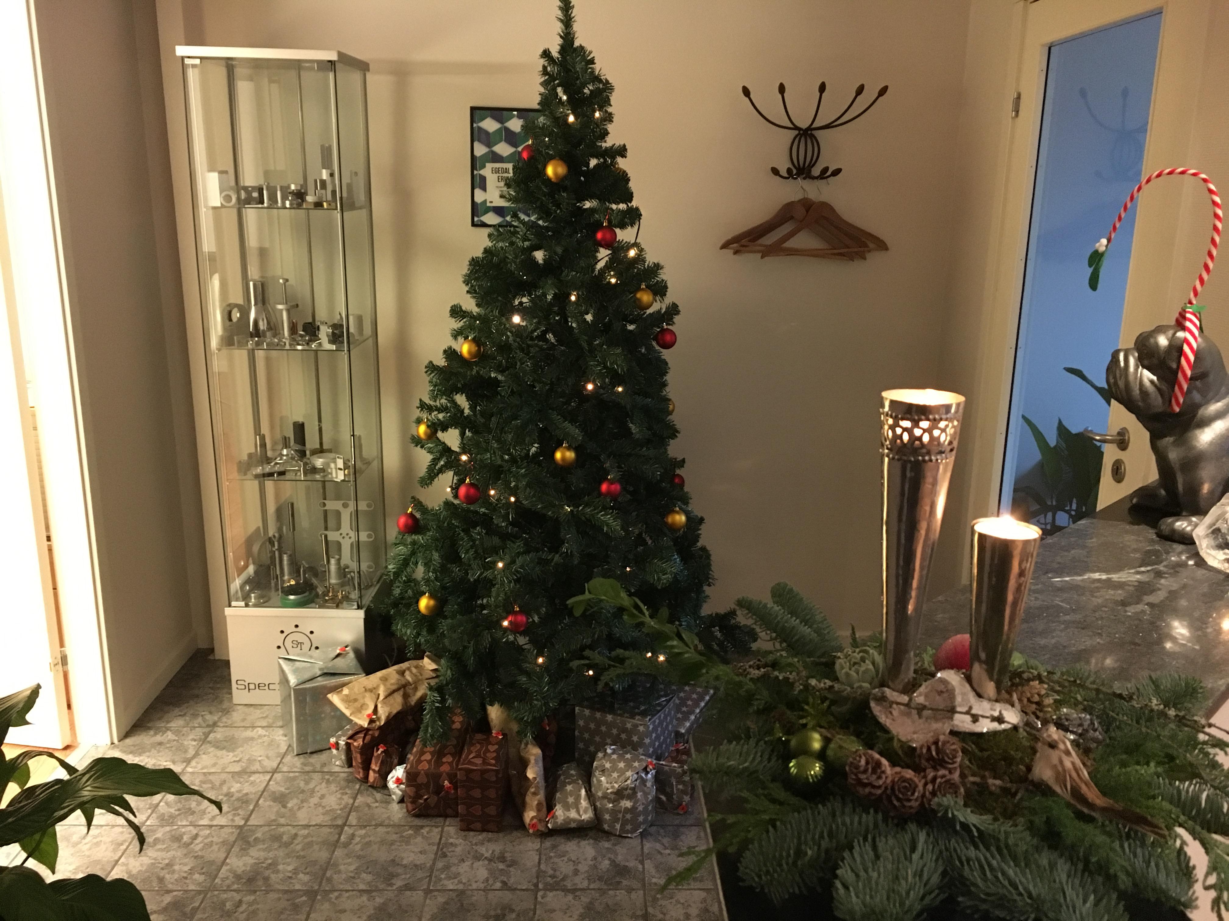 Glædelig jul fra Special-Teknik A/S - Maskinfabrik i Ølstykke